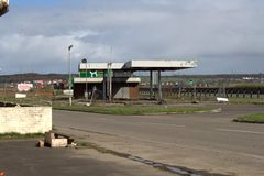 Städtische Erforschung verlassene Tankstelle Stockbild