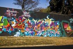 Städtische Kunst - Graffiti Freitag - Graffiti-Wand Stockfotografie