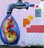 Städtische Kunst Wasser ist Leben Lizenzfreie Stockfotografie