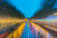 Städtische Nacht Amsterdams und abstrakte Hintergründe der Reise Lizenzfreies Stockfoto