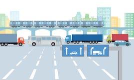 Städtische Straße mit Verkehr Stockfotos