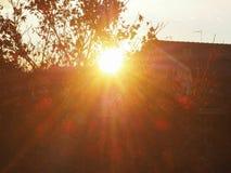 städtische Szene bei Sonnenuntergang stockfotos