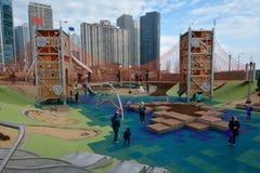 Städtischer Spielplatz Stockfoto
