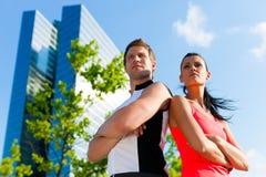 Städtischer Sport - Eignung in der Stadt Lizenzfreie Stockfotos