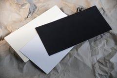 Ställ in av den tomma kuvertmodellen, mallen för att brännmärka identitet royaltyfri foto