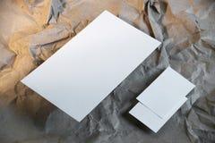 Ställ in av den tomma kuvertmodellen, mallen för att brännmärka identitet fotografering för bildbyråer