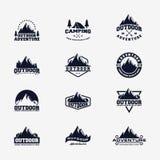 Ställ in av det utomhus- affärsföretaget Logo Design stock illustrationer