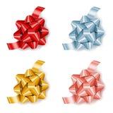 Ställ in av färgrika realistiska gåvapilbågar med bandet, garnering för gåvor royaltyfri illustrationer