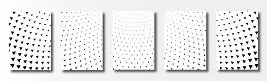 Ställ in av kort med den triangulära halvton Vit bakgrund stock illustrationer