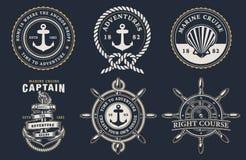 Ställ in av marin- emblem på den mörka bakgrunden vektor illustrationer