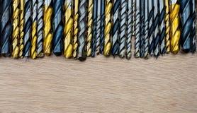 Ställ in av olika format för drillborrbitar för trä och betong royaltyfri fotografi
