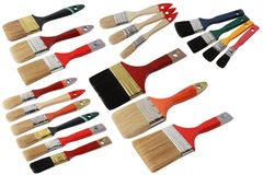 Ställ in av olika målarfärgborstar med trähandtaget isolerat royaltyfri bild