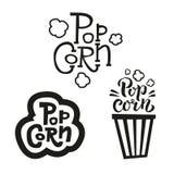 Ställ in av 3 popcorntextetiketter i olika stilar Hand dragit typografitecken Samling av den svarta vita logoen ocks? vektor f?r  vektor illustrationer