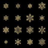 Ställ in av sexton guld- snöflingor för skenlättnad som isoleras på svart bakgrund Blänka för nytt år och för julkort vektor illustrationer