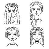 Ställ in av tecknad film skissar av gulliga flickor Klotterstilillustration av flickastående vektor illustrationer