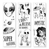 Ställ in bokmärker med mystiska objekt stock illustrationer