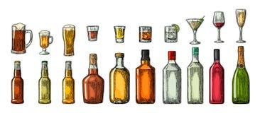 Ställ in exponeringsglas- och flasköl, whisky, vin, gin, rom, tequilaen, konjak, champagne, coctailen, toddy Royaltyfria Bilder