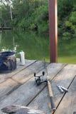 Ställ in för att fiska med plattången arkivfoton