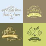 Ställ in logofamiljlantgården Organisk mat för logo Räcka den utdragna beståndsdelen royaltyfri illustrationer