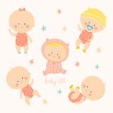 Ställ in med gulligt behandla som ett barn flickor Tillväxt från nyfött till lilla barnet Olikt poserar Första år aktiverings Kry Fotografering för Bildbyråer