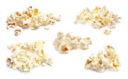 Ställ in med smakligt popcorn arkivbild