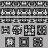 Ställ in samlingar av gamla grekiska prydnader Antikvitetgränser och tegelplattor i svartvita färger Arkivfoto