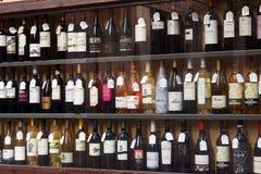 Ställa ut av alkohollager i Logrono spain Royaltyfri Bild