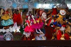 Ställa ut på försäljning av det nya årets för jul produkter för souvenir Royaltyfri Foto
