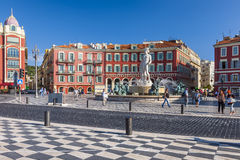 Ställe Massena med springbrunnen av solen i Nice Royaltyfri Foto