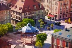 StälledArmesfyrkant i våren, Belfort, Frankrike arkivfoton