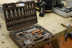 Ställer in hålighetskiftnyckeln med utbytbara huvud arkivfoton