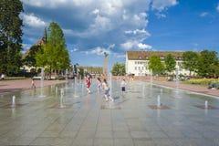 Stället för lägre marknad med springbrunnar i Freudenstadt royaltyfri bild