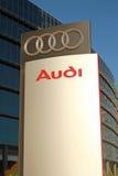 Ställning för AUDI återförsäljarelogo Arkivbild