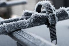 Ställning för biltakcykel i vinter fotografering för bildbyråer