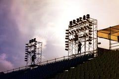 Ställningaktivering för en etapp för en utomhus- konsert Arkivfoton