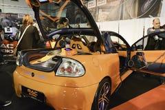 Stämd bil för solitt system fotografering för bildbyråer