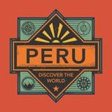 Stämpel- eller tappningemblemet med text Peru, upptäcker världen Royaltyfria Bilder
