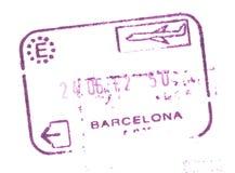 Stämpel för eget tillträde för pass i flygplatsen av Barcelona, Spanien arkivfoto