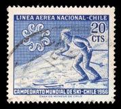Stämpel som skrivs ut i Chile från mästerskapen för `-världsskidåkning - lutning för skidåkare för shower för Chile `-fråga korsn Royaltyfria Bilder