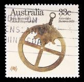 Stämpeln som skrivs ut i Australien, visar astrolabiet Arkivbild