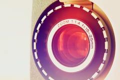 Stäng sig upp av den gamla linsen för den 8mm filmprojektorn Royaltyfri Foto