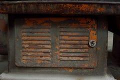 Stäng sig upp av den gamla maskinfabriken som göras av stål och används i PA arkivfoto