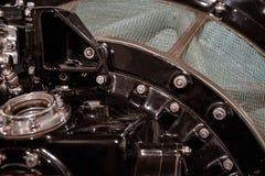 Stäng sig upp av den gamla motorkompressorn fotografering för bildbyråer