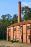 Stäng sig upp av en övergiven 19th fabrik för århundradeulltextil från den industriella revolutionen Arkivbilder