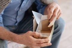 Stäng sig upp av en ask med gamla bokstäver Fotografering för Bildbyråer