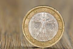 Stäng sig upp av ett italienskt ett euromynt fotografering för bildbyråer