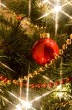 Stäng sig upp av julgrangarneringar Royaltyfria Bilder