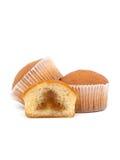 Stäng sig upp av muffin som isoleras på vit bakgrund Royaltyfri Fotografi