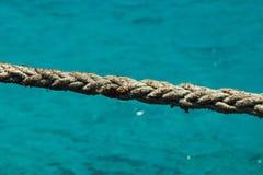Stäng sig upp av repet på den blåa lagun, Comino, Malta arkivbilder