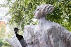 Stäng sig upp av spökeskulpturen royaltyfri bild
